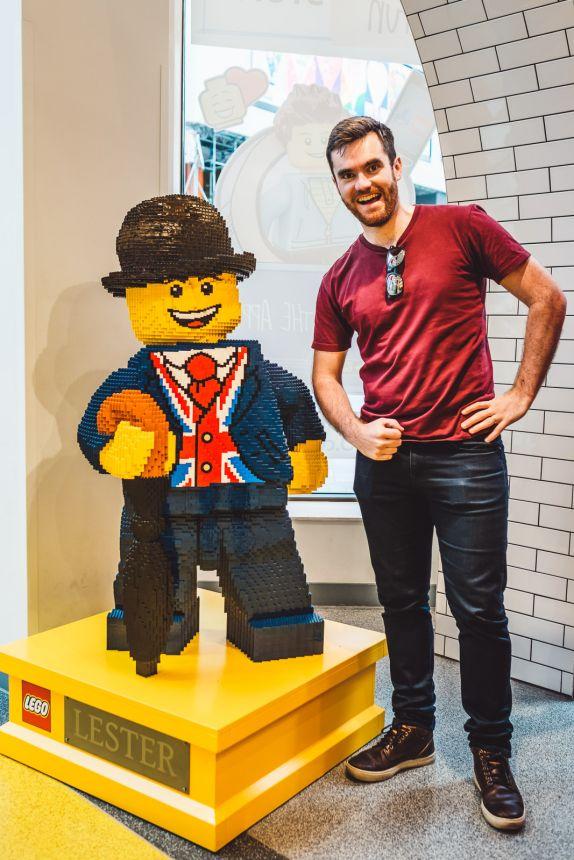 London Itinerary LEGO Store Figurine