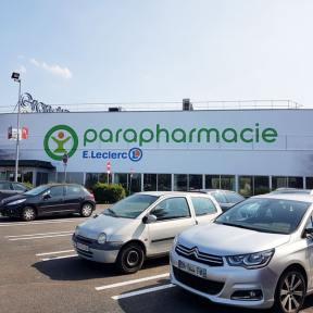Habillage Publicitaire XXL Parapharmacie Centre Commercial Grand Tour Ste Eulalie