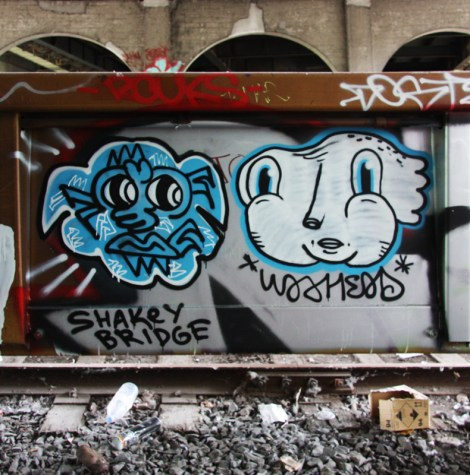 Yolacocacola (left) and Waxhead (right) om train