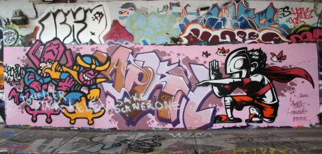 Horno (bottom left) and unidentified (bottom right) at the Rouen tunnel legal graffiti wall