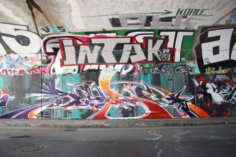 Seker (bottom) and Intak (top) at the Rouen tunnel legal graffiti wall