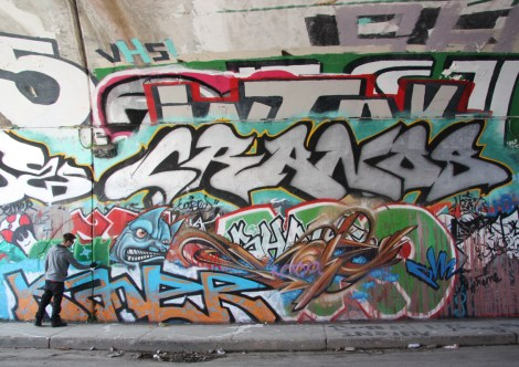 Kaner (work in progress bottom left), Skope (bottom right), Crane (middle), at the Rouen tunnel legal graffiti wall