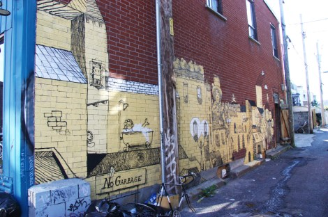 Vilx in alley between Clark and St-Urbain, near Villeneuve