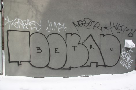 Toobad in alley between St-Laurent and Clark, plus tags by Greasy Jim, etc