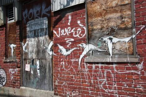 Unknown artist in alley between St-Laurent and Clark