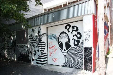 Vhat part 3/3 in alley between St-Laurent and Clark