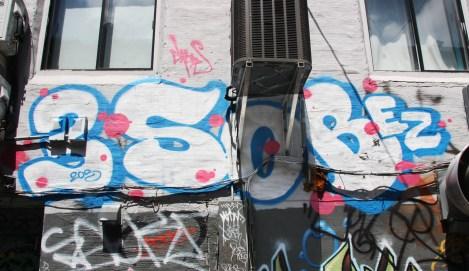 Lyfer(?) graffiti between HoMa and Mercier