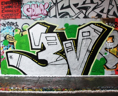 Ratek representing the 3V crew at the Rouen legal graffiti tunnel
