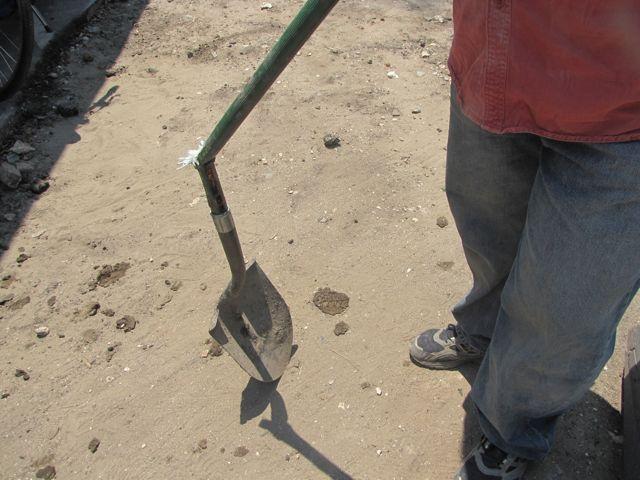 broken_shovel