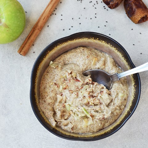Apple Pie Porridge {Raw, Vegan, Gluten-free}