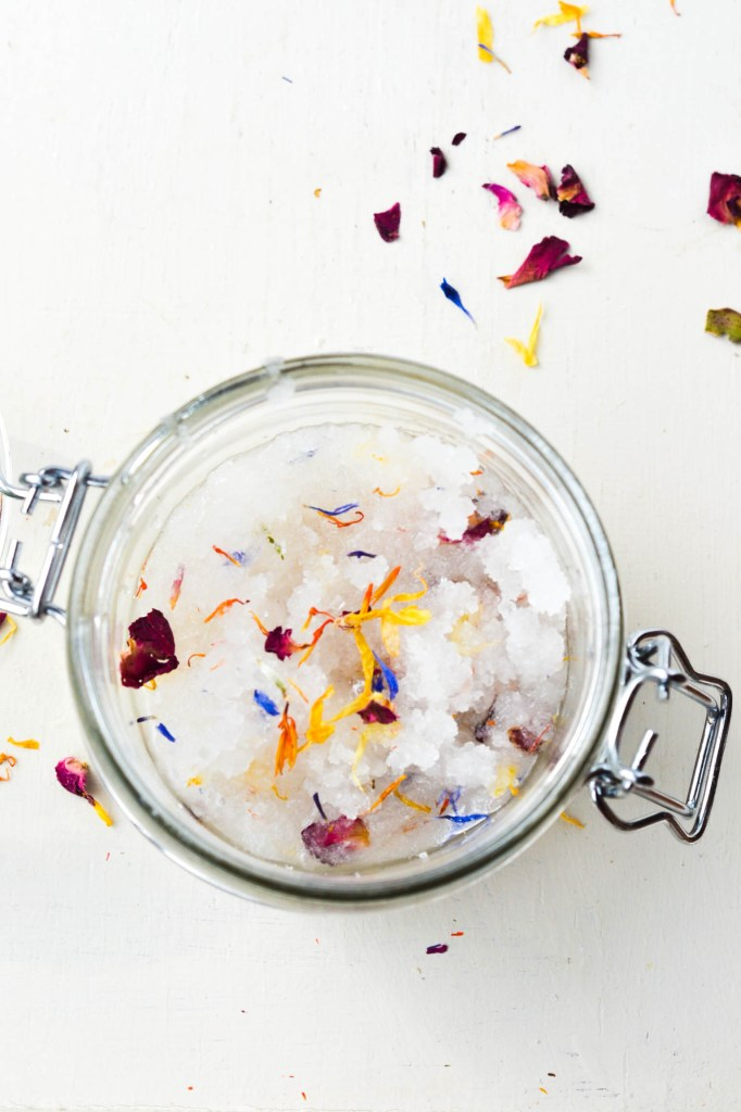 DIY ✿ Floral Body Scrub