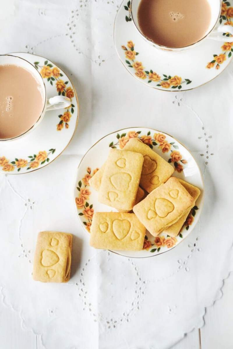 Vegan Custard Cream Biscuits