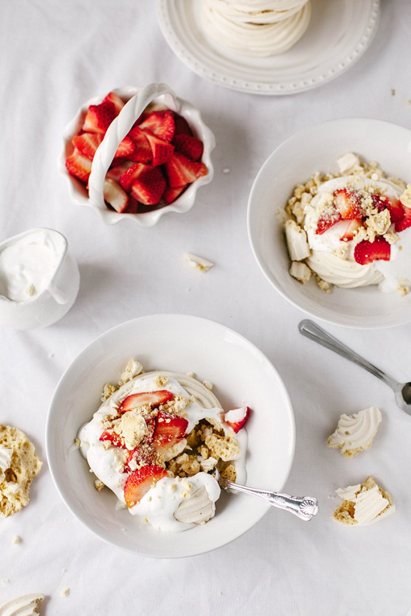 Vegan Meringue Nests with Strawberries & Cream | Wallflower Girl #vegan #glutenfree