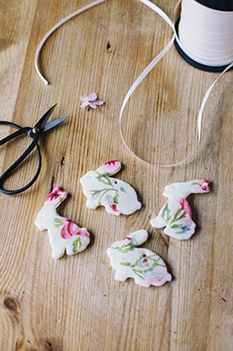 DIY Cherry Blossom Easter Tree  |  Wallflower Girl