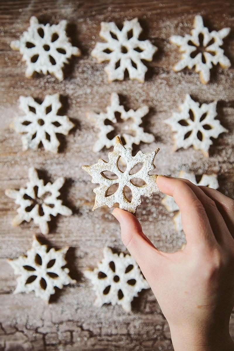 Spelt Cinnamon Snowflake Cookies #Vegan