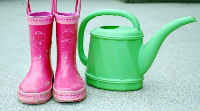 boots-child-close-up-dirty-gardening-green-mud