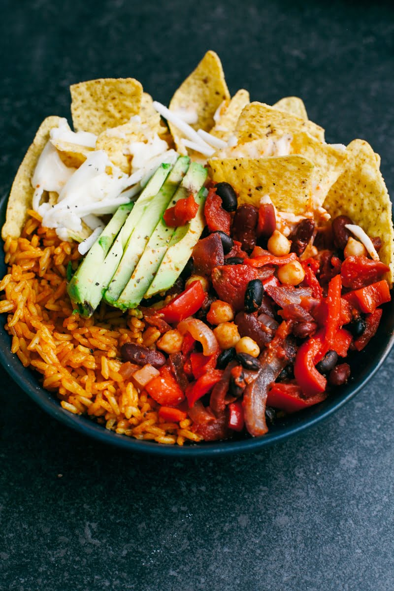 #Vegan Bean Chilli Nacho Bowl