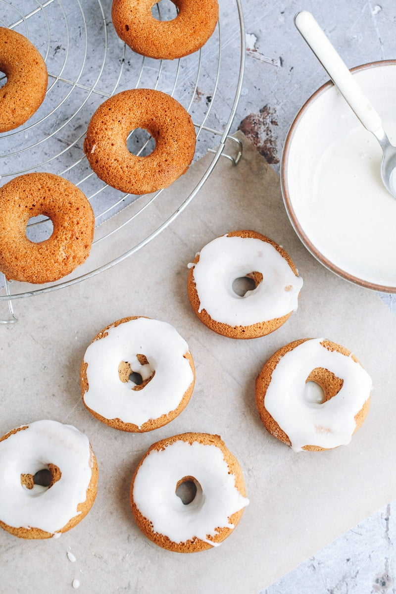 Mini Baked Gingerbread Donuts #vegan