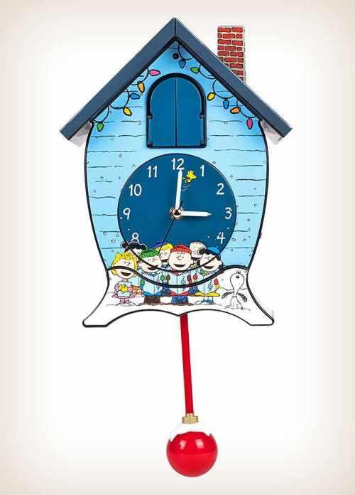 Peanuts Gang Snoopy Cuckoo Clock