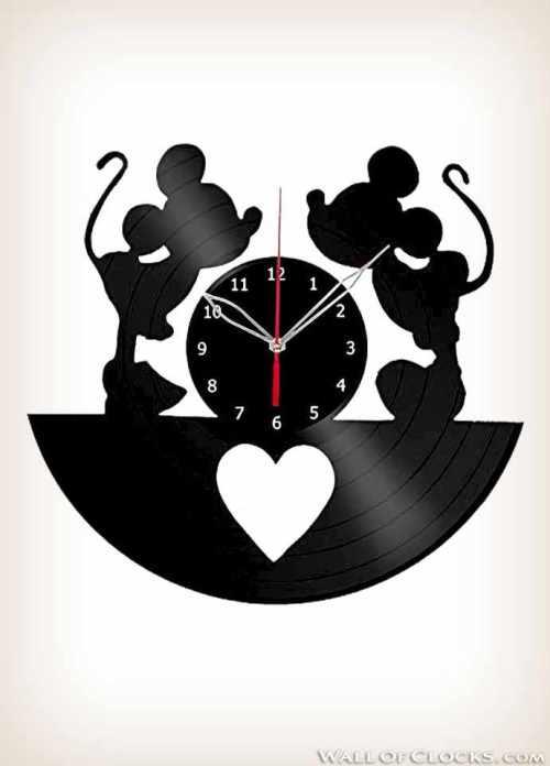 Mickey and Minnie Mouse Disney Vinyl Clock
