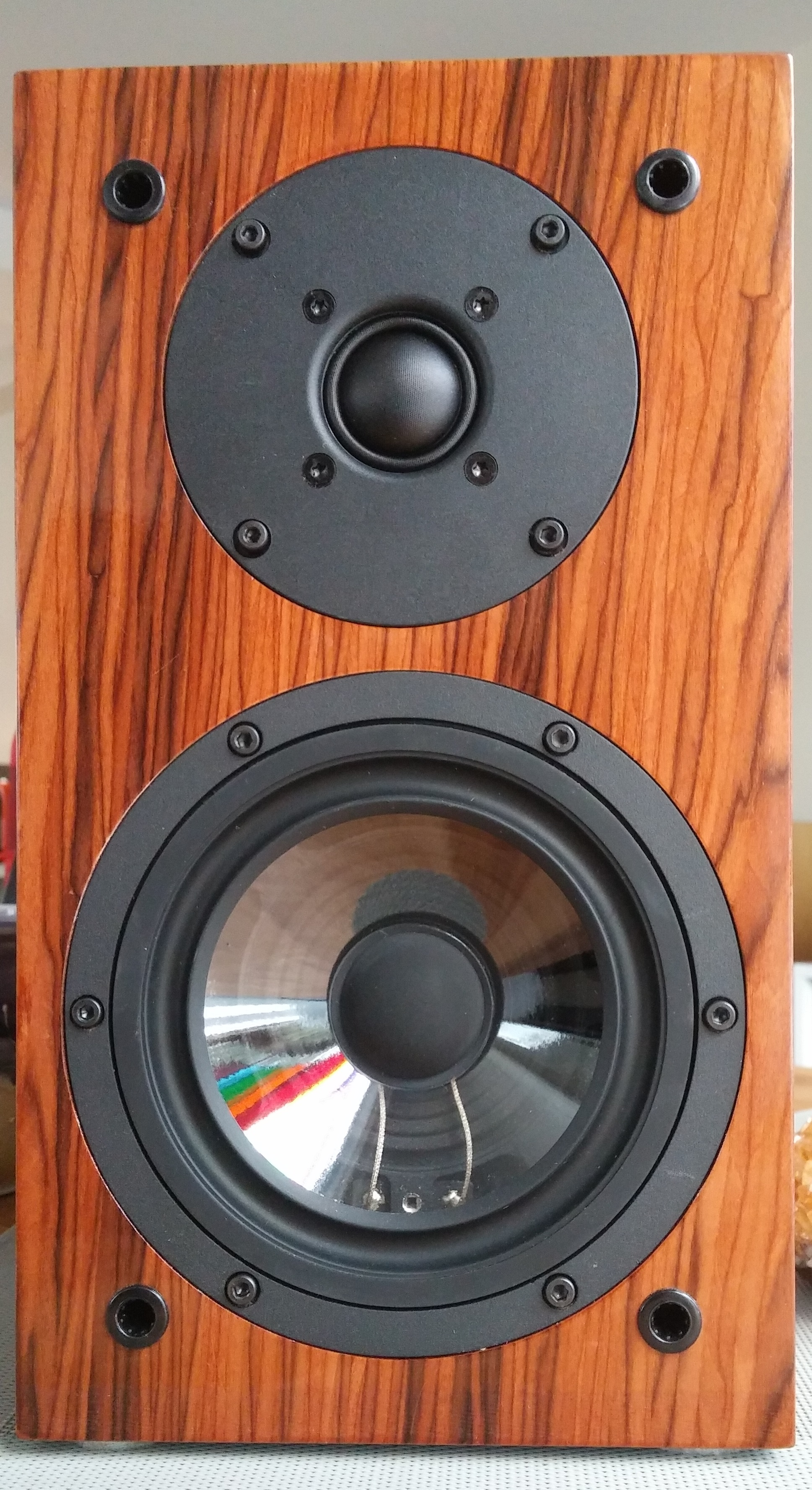 Review Musical Paradise Mp S1 Bookshelf Speakers Wall Of Sound