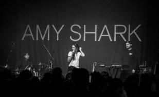 AMY SHARK - 17