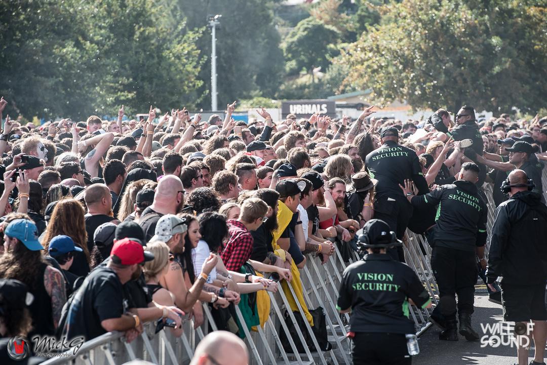 Download_Melbourne_2018_Crowd-13