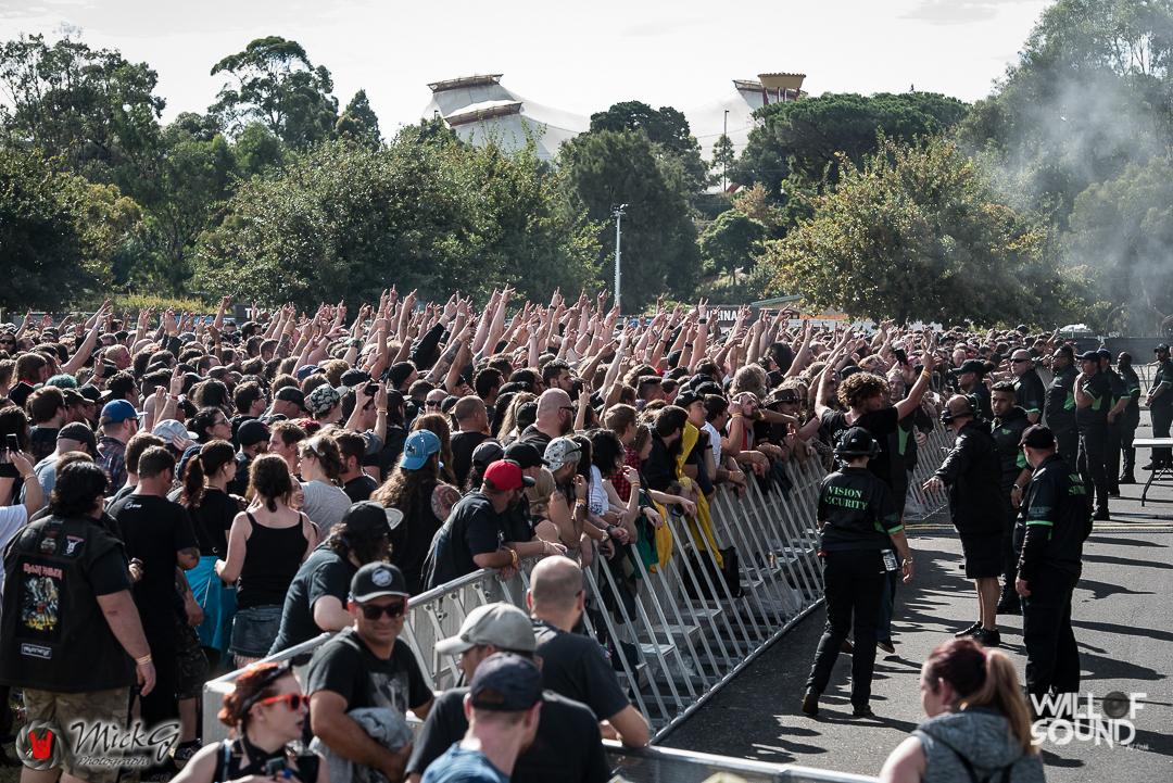 Download_Melbourne_2018_Crowd-14