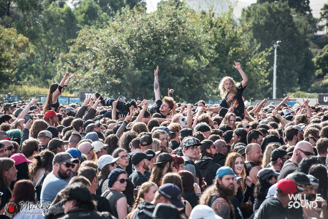 Download_Melbourne_2018_Crowd-16