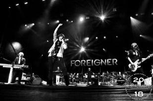 Foreigner002-1