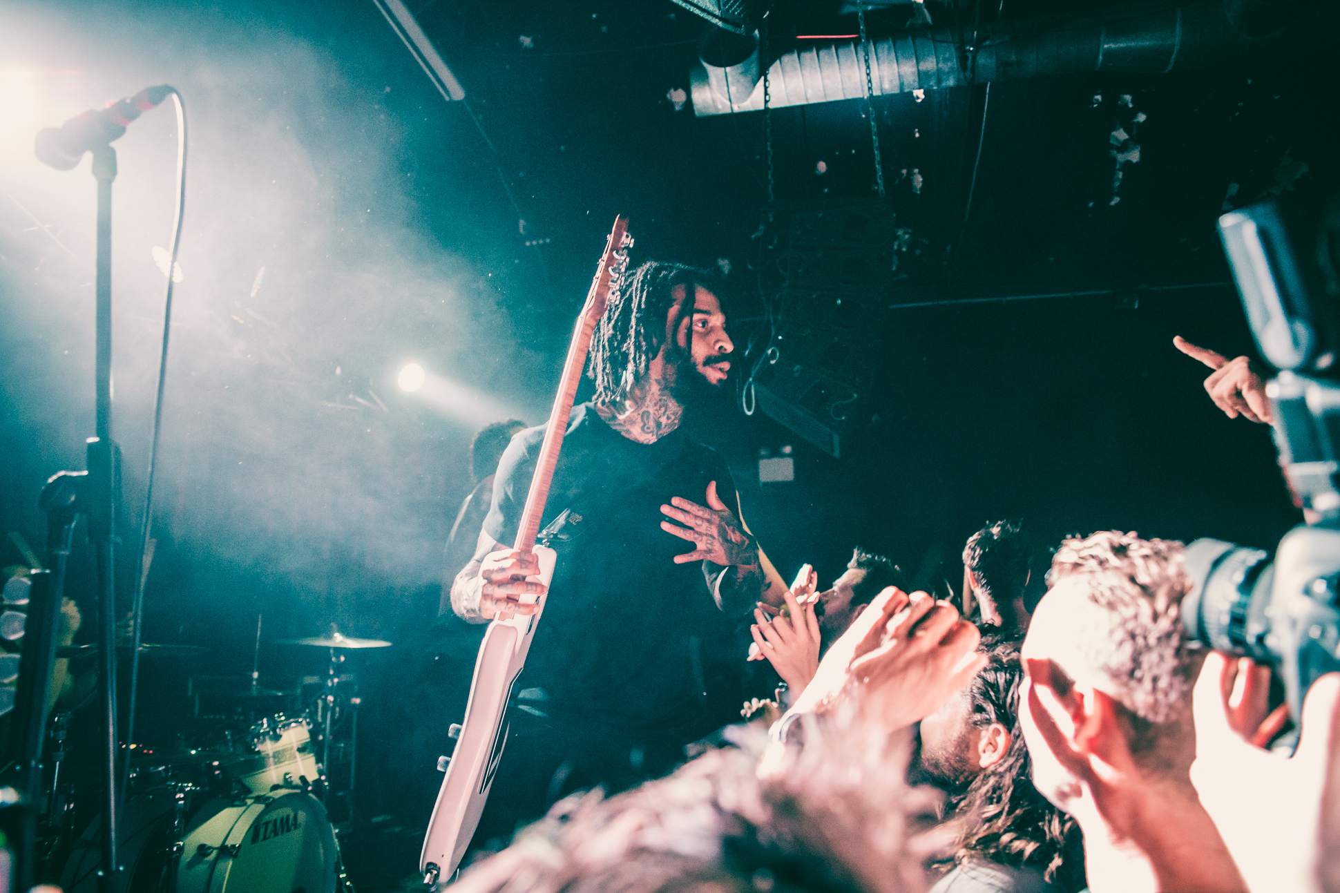 FEVER 333 (17 of 58)