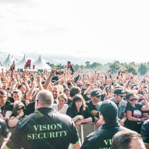 RISE AGAINST (8 of 21)