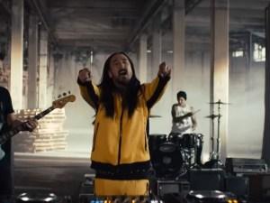 Steve Aoki blink-182 Why Are We So Broken music video