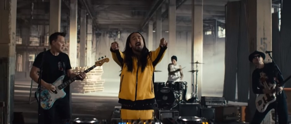 Steve Aoki blink-182 Why Are We So Broken music video