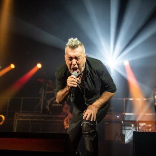 Jimmy_Barnes-30