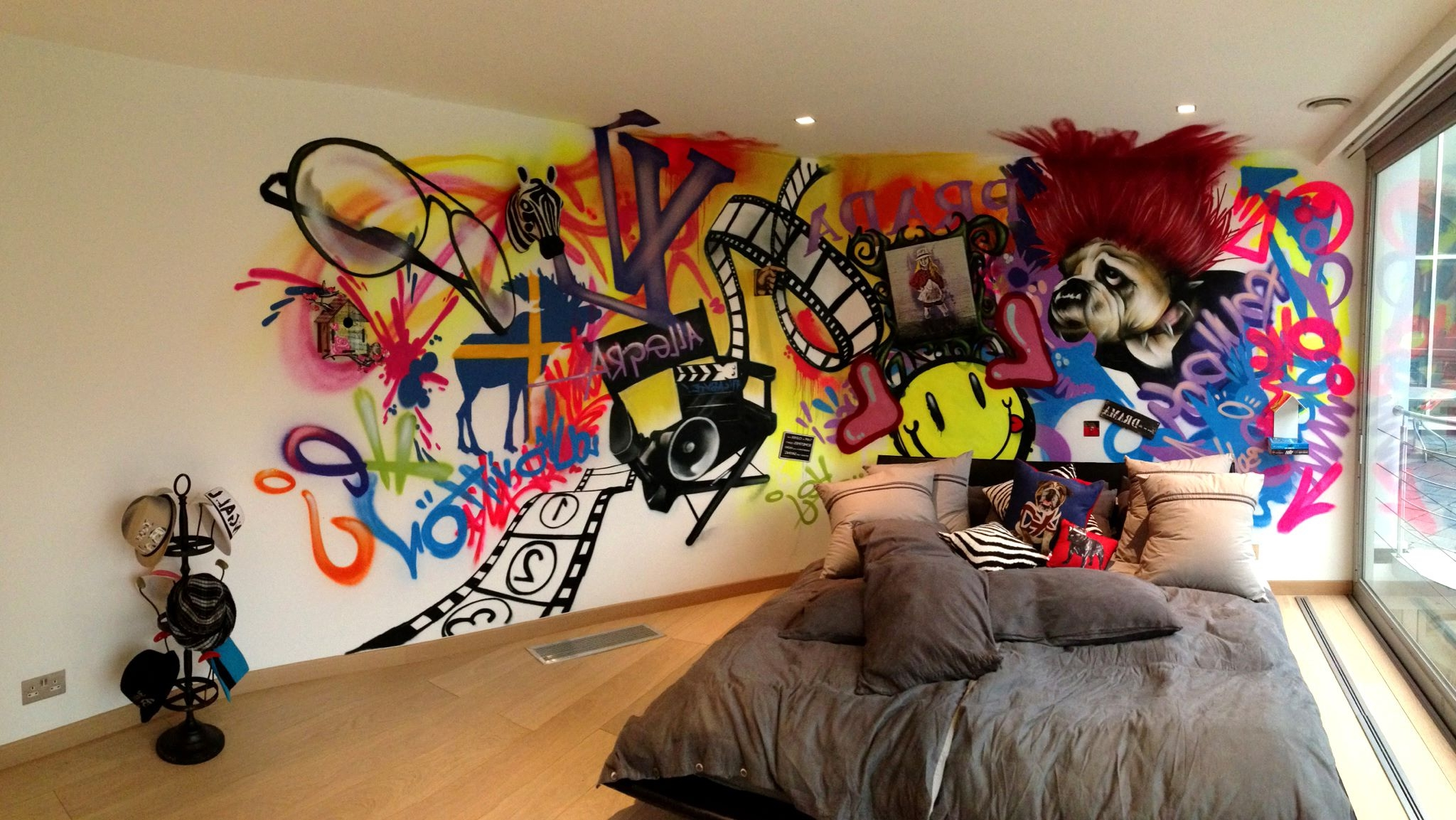 Graffiti Wallpaper For Bedrooms