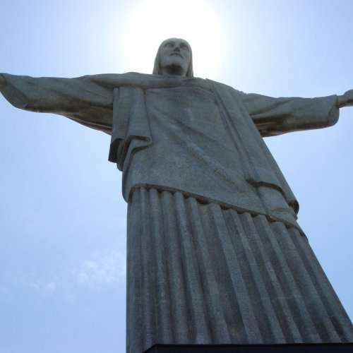 Cristo Redentor christian wallpaper free download. Use on PC, Mac, Android, iPhone or any device you like.