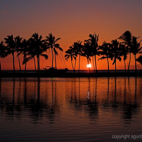 Hawaii Sunset christian wallpaper free download. Use on PC, Mac, Android, iPhone or any device you like.