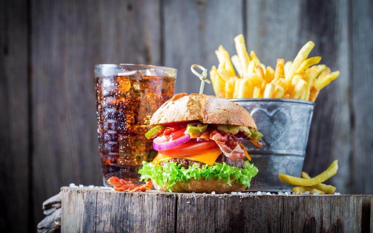 Hamburger and Fries Wallpapers - Top Free Hamburger and Fries Backgrounds - WallpaperAccess
