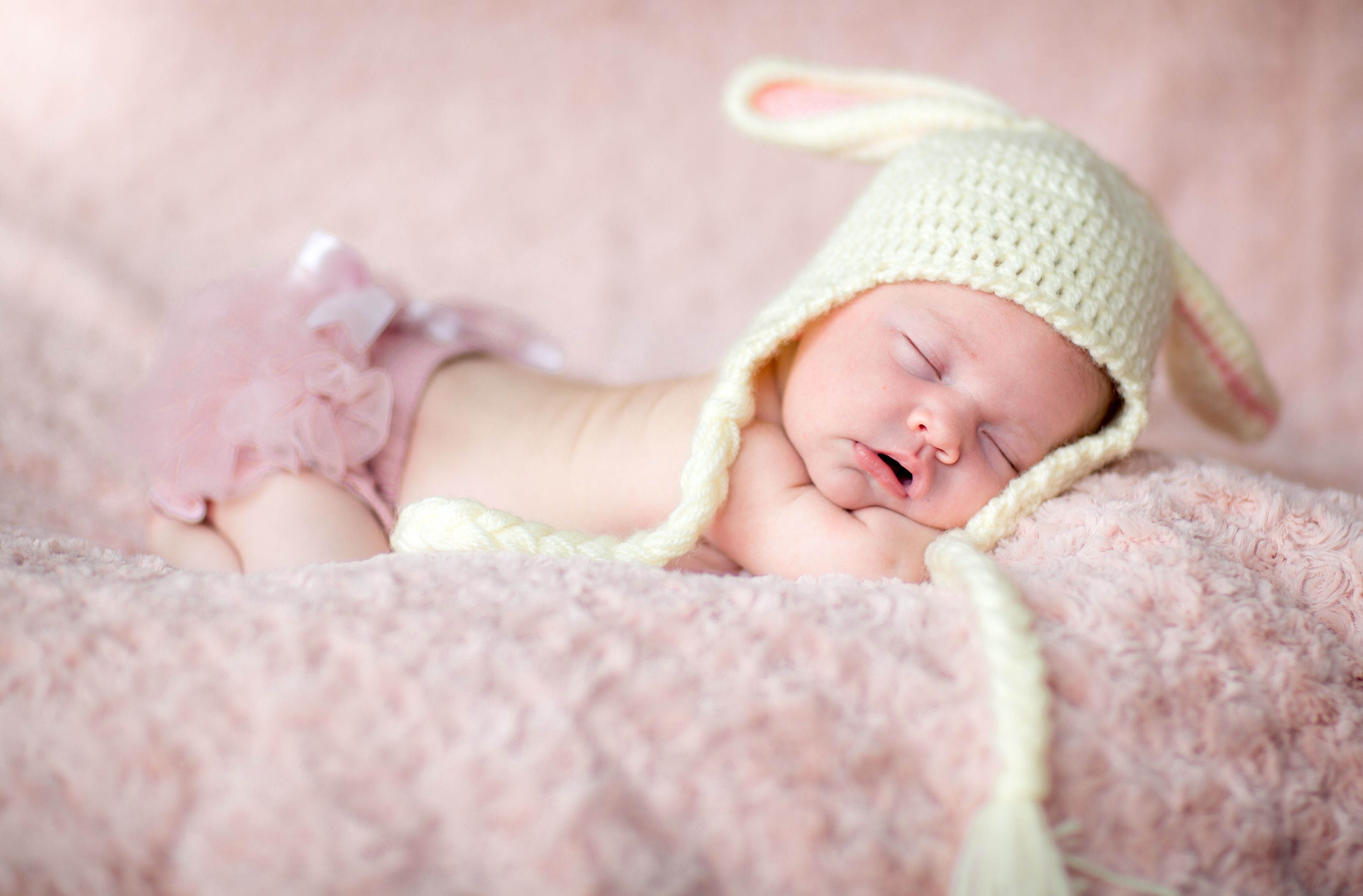 Newborn Baby Wallpapers Top Free Newborn Baby Backgrounds Wallpaperaccess