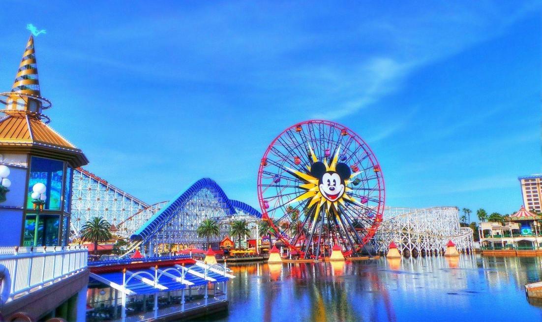 Disneyland California Wallpapers - Top Free Disneyland California  Backgrounds - WallpaperAccess