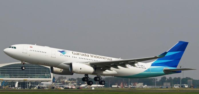 Garuda Indonesia Wallpapers Top Free Garuda Indonesia Backgrounds Wallpaperaccess