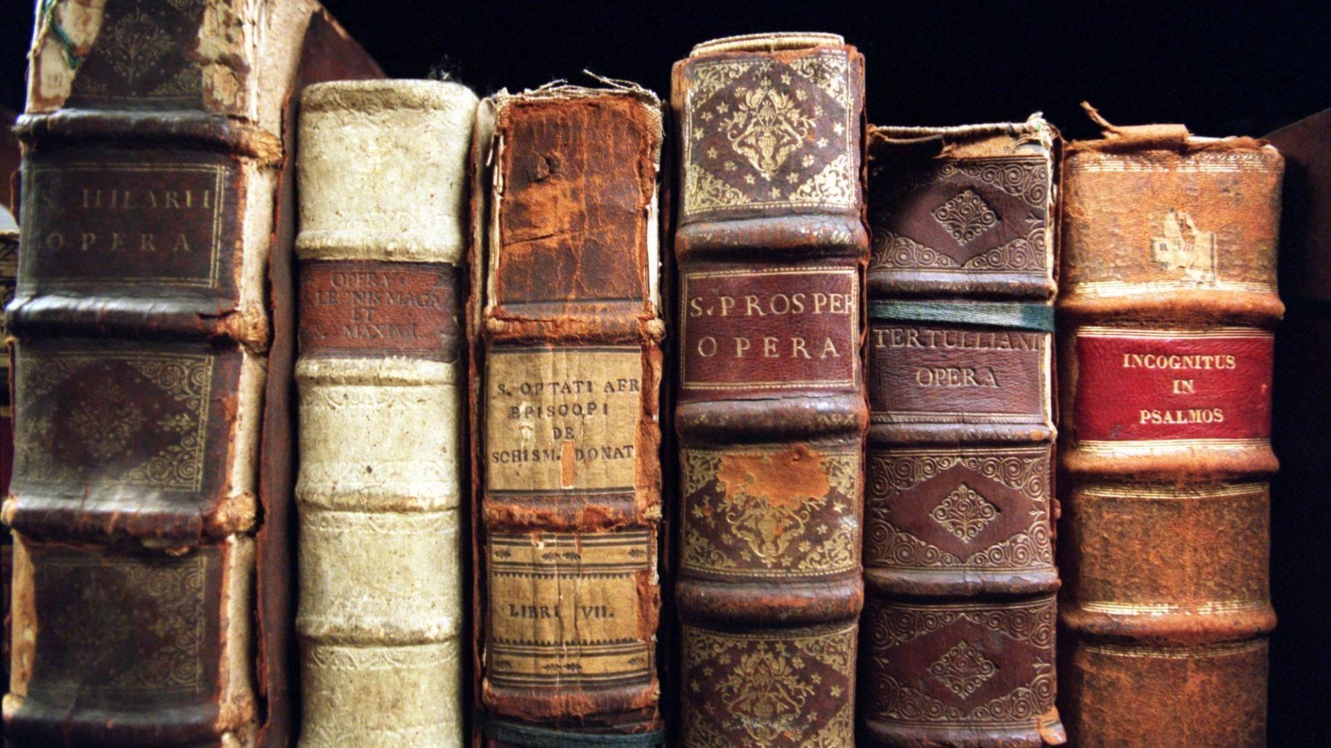 vintage book wallpapers top