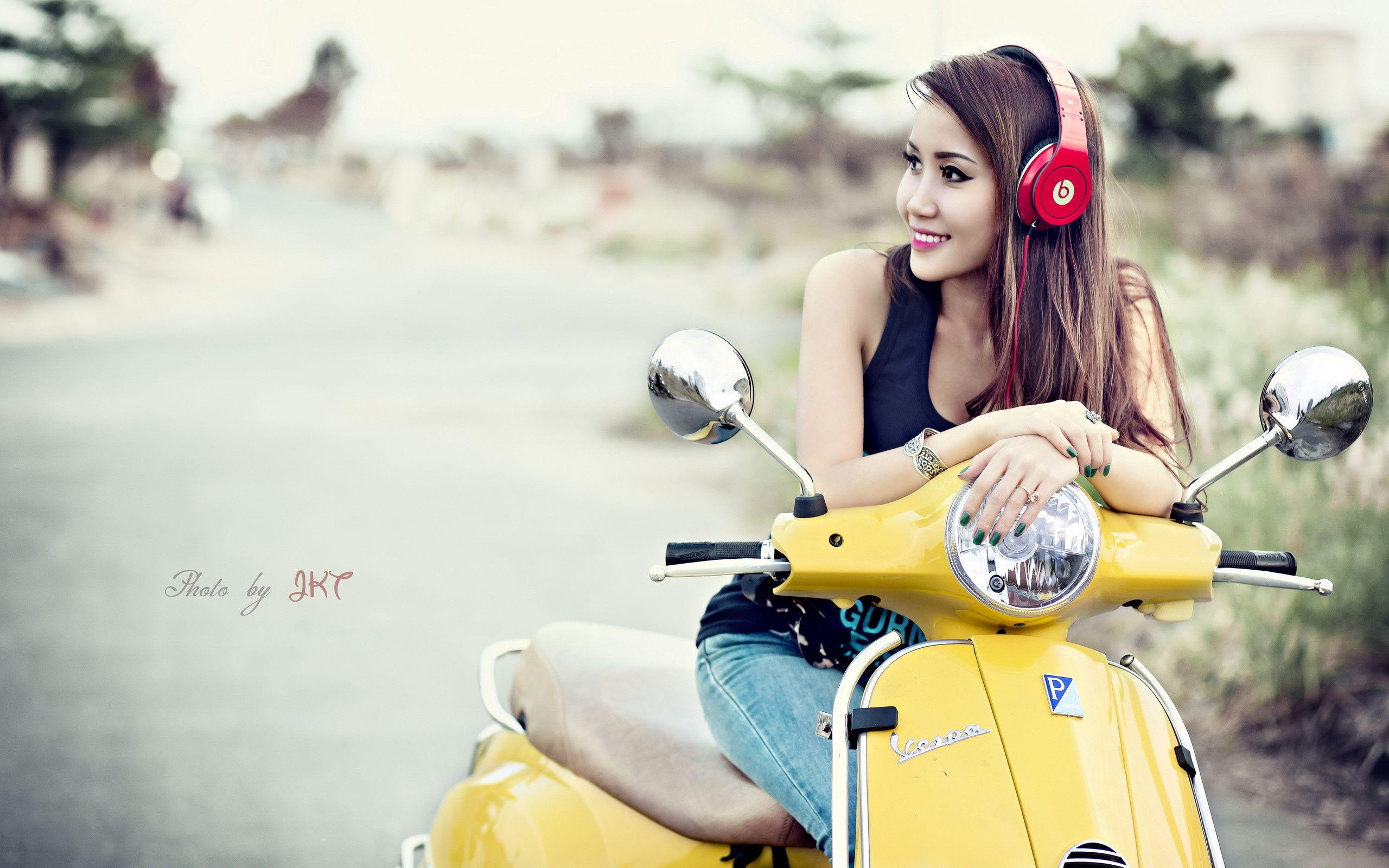 Anime Headphone Girl Wallpaper Vespa Wallpapers Wallpaper Cave