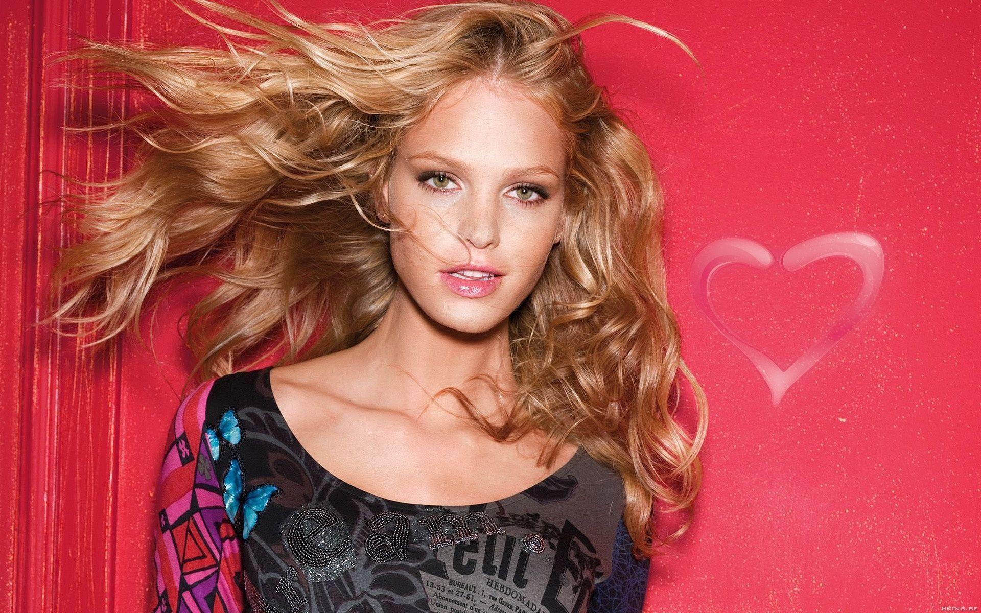 Girl Superheros Wallpaper Erin Heatherton Wallpapers Wallpaper Cave