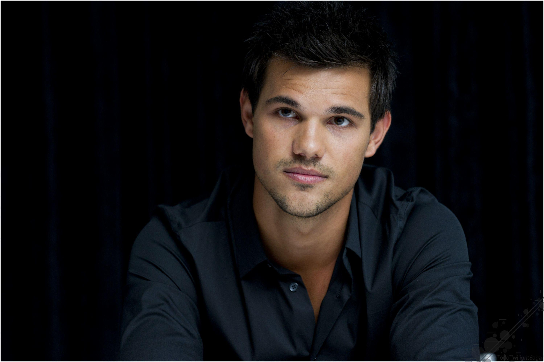 Taylor Lautner Wallpapers Shirtless  Wallpaper Cave