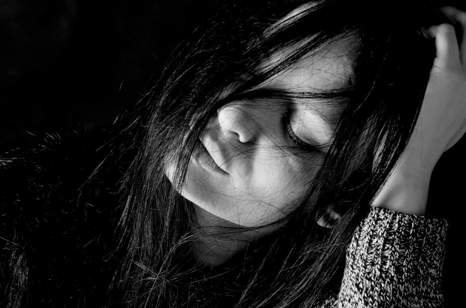 Alone And Sad Girl Hd Wallpaper Sad Girl Wallpapers Wallpaper Cave
