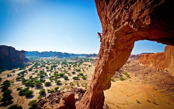 Mountain Rock Climbing Desktop