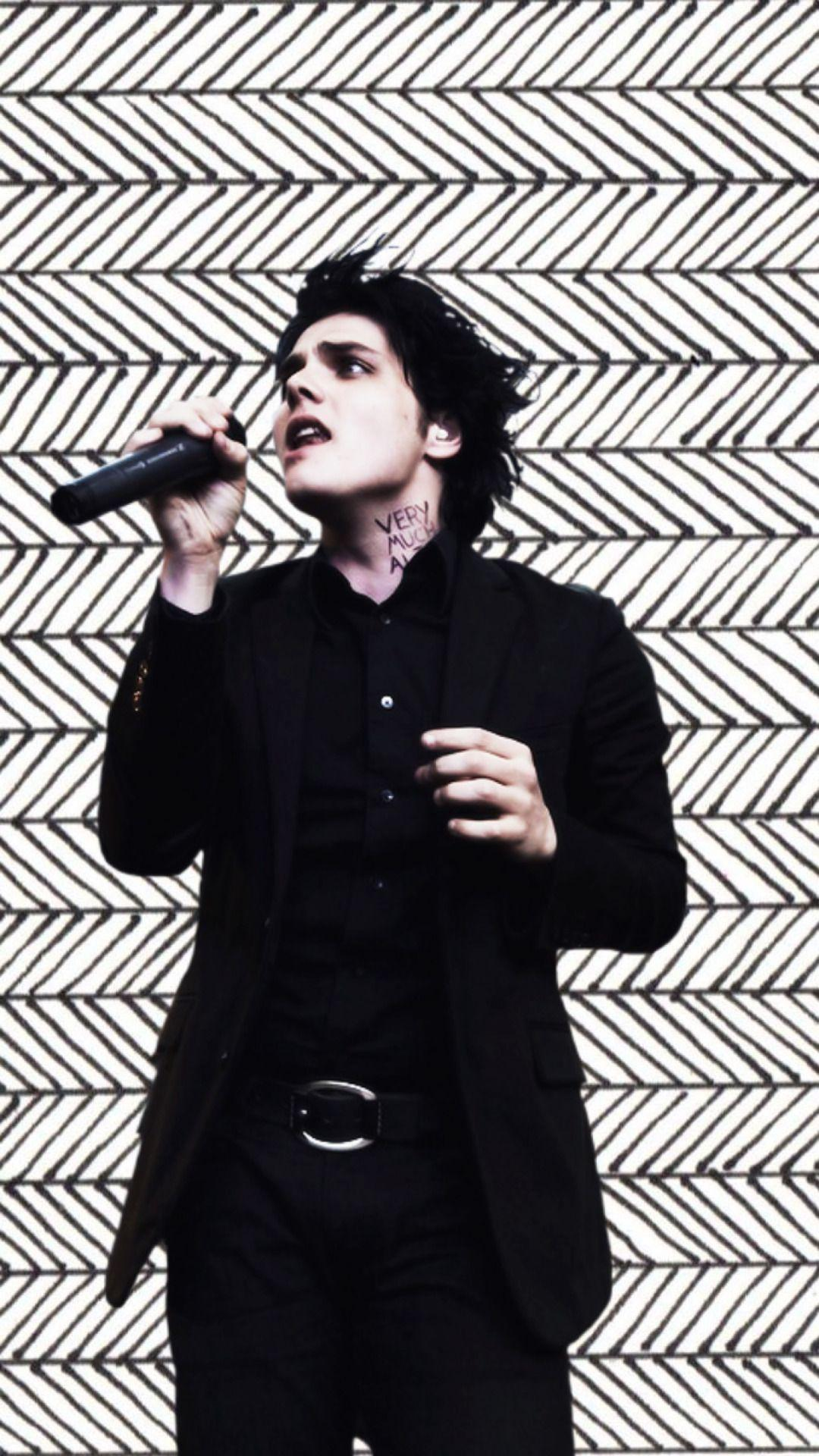 My Chemical Romance Iphone Wallpaper Gerard Way Wallpapers Wallpaper Cave