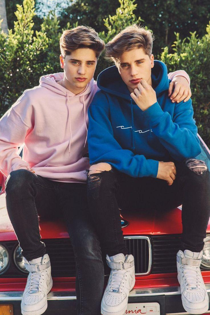 Phone Wallpaper Boy And Girl Sunset Anime Martinez Twins Wallpapers Wallpaper Cave